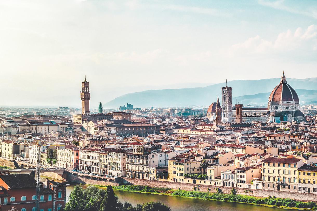 Linkener desembarca en Italia