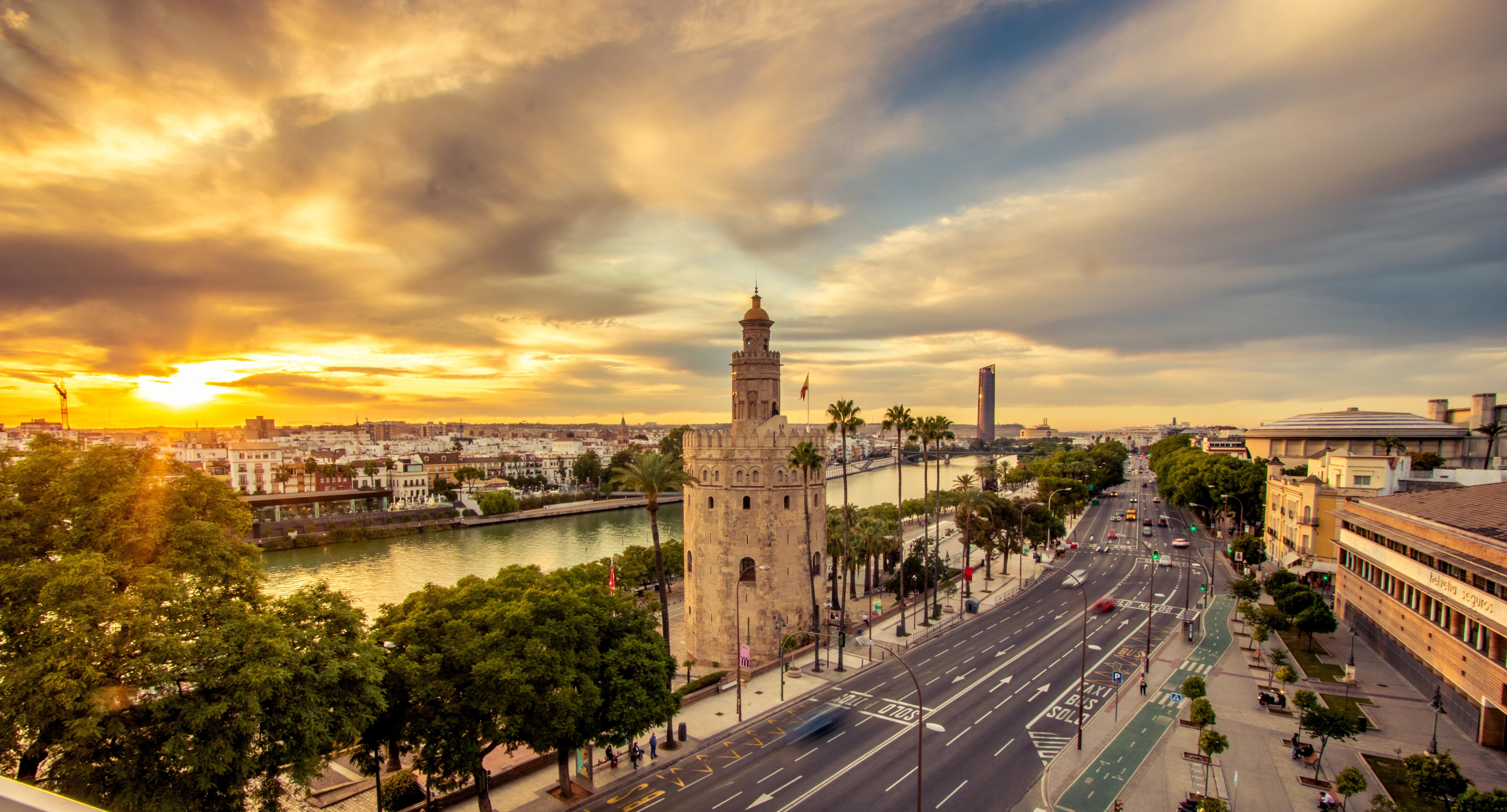 Ayudas para instalaciones de fotovoltaica en Sevilla y Comunidad de Andalucía